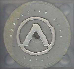 Anouk-2002-11-Graduated-Fool_2ndLiveRecords